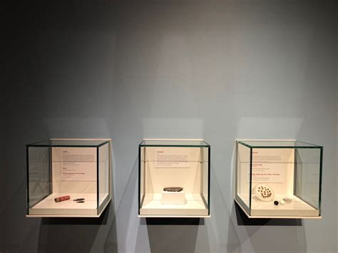 zone display cases products wall cases museum