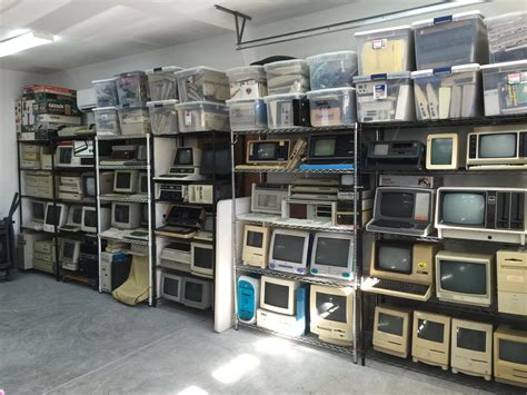 start  museum  guy  selling  computer