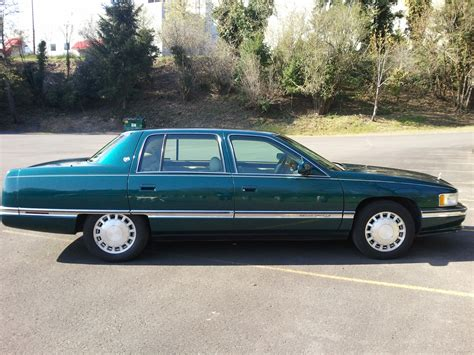 manual repair autos 1996 cadillac deville head up display service manual 1996 cadillac deville to know how to put a belt on 1996 cadillac sedan