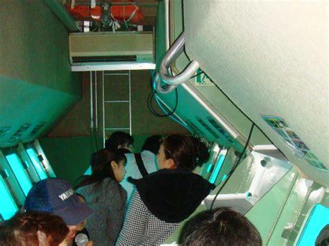 glass bottom boat japan file inside the glass bottom boat hatsushima atami