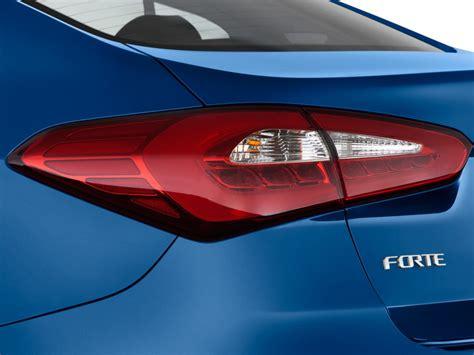 kia forte brake light image 2016 kia forte 4 door sedan auto ex tail light