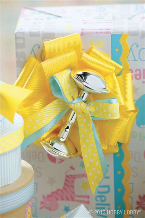 Baby Shower Gift Wrapping Techniques by Best 25 Baby Gift Wrapping Ideas On Diy Baby