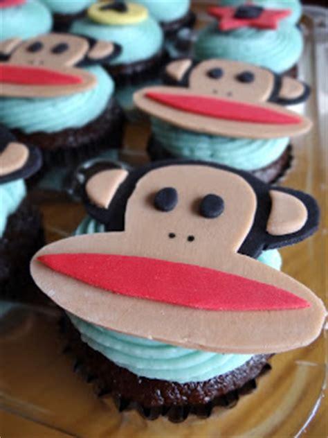libbys cupcakes  paul frank birthday cupcakes