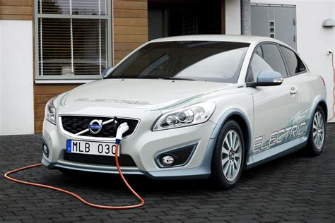 volvo electric car volvo and siemens form partnership for electric vehicle