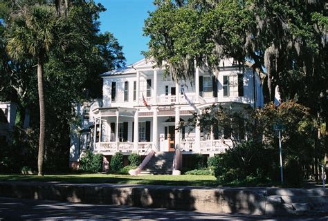 Best Small Towns In America To Visit beaufort south carolina hilton head island vacation rentals
