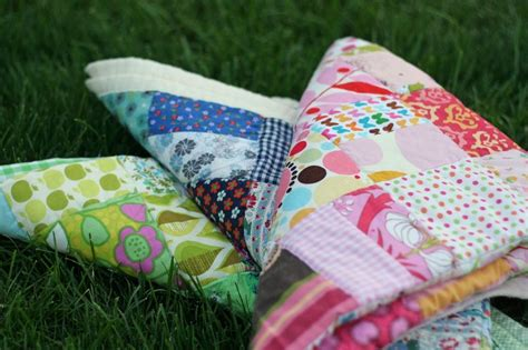 Scrap Patchwork - scrap color baby quilt tutorial gingercake