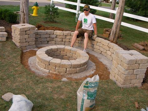 Building An Outdoor Firepit Easy Backyard Pit Designs Pinteres