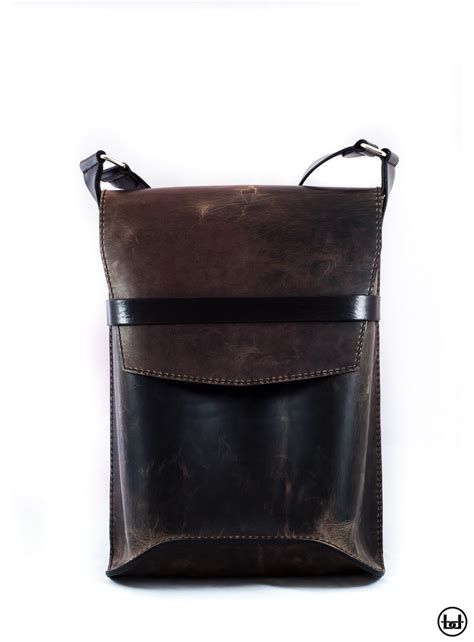 Handcrafted Leather Products - bogdan deliu handmade leather bag dune monolith v1