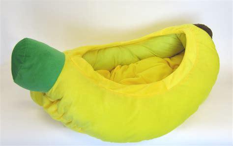 Bed Banana by Banana Pet Bed