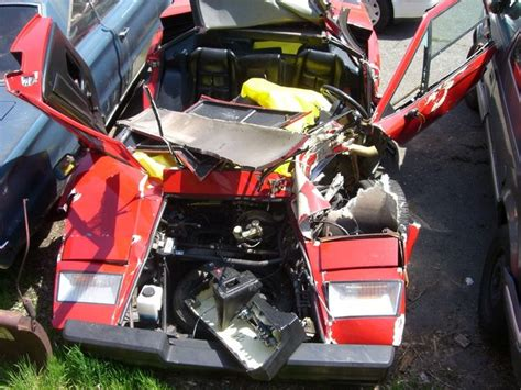 crashed lamborghini countach 17 best images about カウンタック on models auction