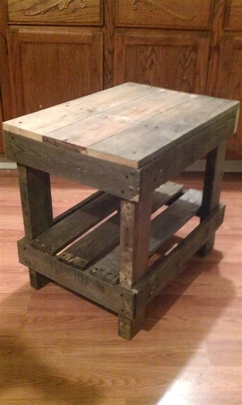 Pallet Side Table Pallet Wood End Table Pallet Diy The End Islands And Rustic