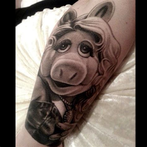 miss piggy tattoo designs miss piggy by nikko hurtado