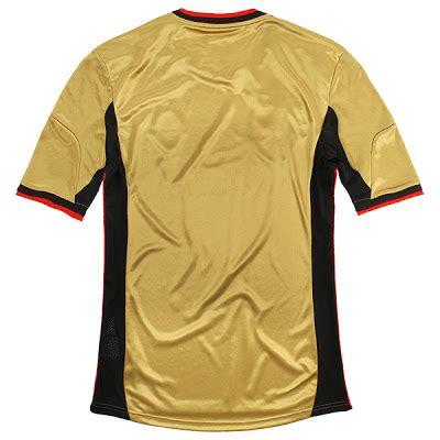 Celana Bola Ac Milan 3rd Hitam Lis Merah 3 2017 2018 Grade O foto detail jersey baru ac milan musim 2013 2014 updatenya