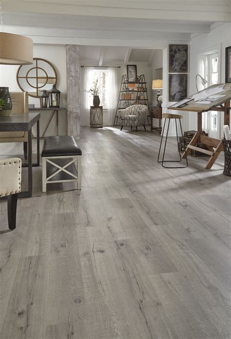 Featured Floor: Driftwood Hickory EVP