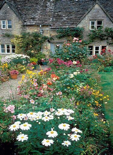 pretty flower garden pretty flower garden flowers