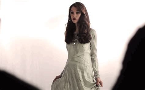 astrid berges frisbey gif icon hunt maddy s gif blog