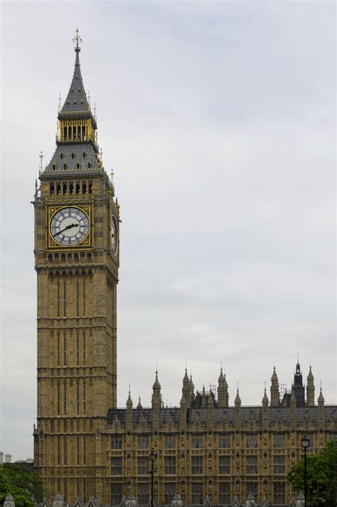 london clock tower file big ben clock tower london 2009 03 jpg wikimedia