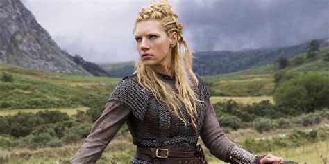 katheryn winnick game vikings katheryn winnick wants to suit up as this dc hero
