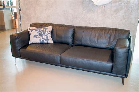 divano italia divano kris ditre italia in pelle pieno fiore divani a