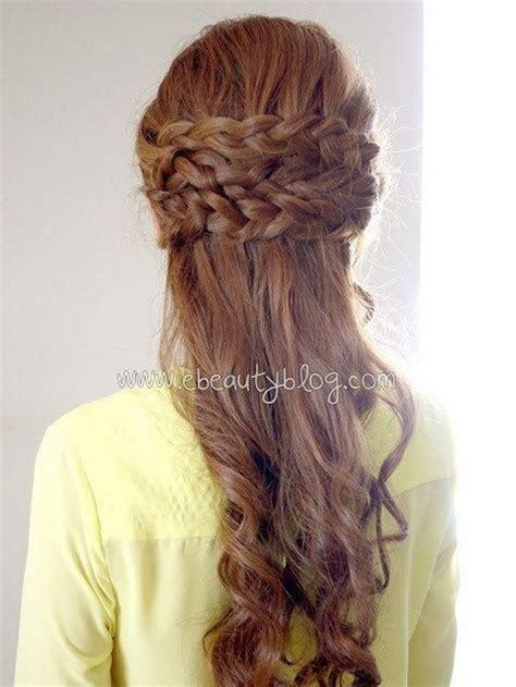 chongo or ponytail peinados para graduacion universitaria