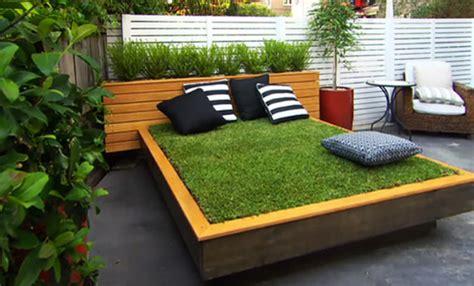 Garten Gestalten Diy by Diy Bett Aus Paletten Und Gras Im Garten Anlegen Coole