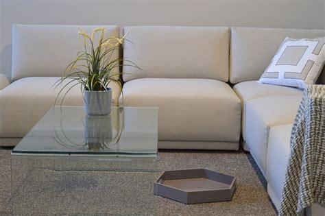 come pulire i divani in pelle come pulire un divano in pelle consigli utili per