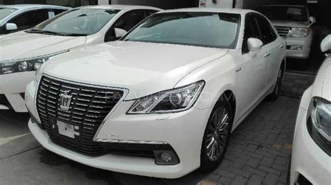 Toyota Crown 2015 Toyota Crown Royal Saloon 2015 For Sale In Lahore Pakwheels