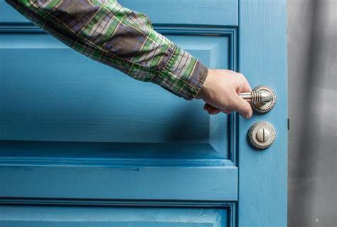 comment ouvrir une porte de chambre bloqu馥 comment ouvrir une porte de chambre maison design mail