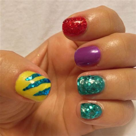 disney pattern nails i love the simplicity of these disney nails nails