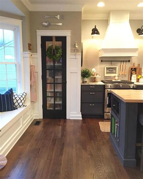 lower kitchen cabinets best 25 two tone cabinets ideas on pinterest two toned
