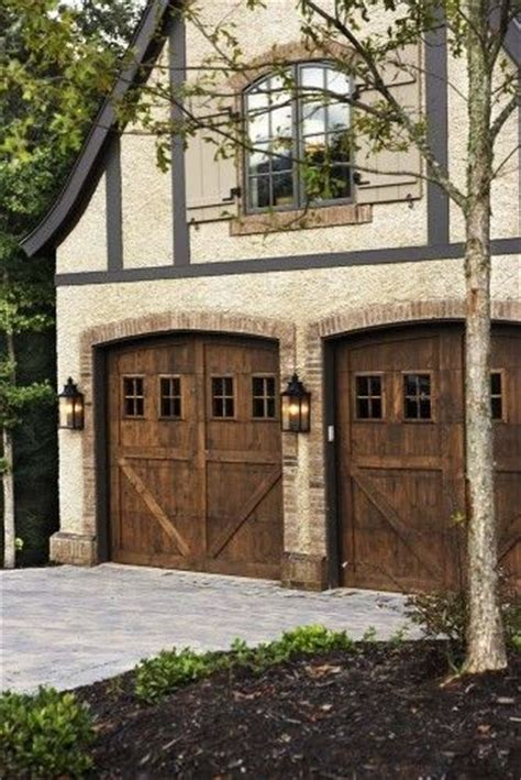 Country Garage Doors by Carriage Style Garage Doors For Country