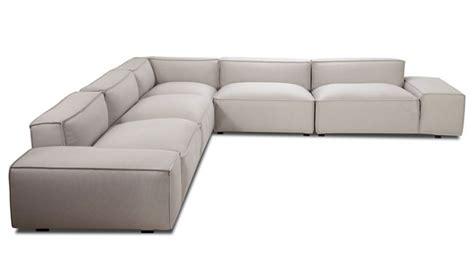 Easy Sofa by Family Living Interiorzine