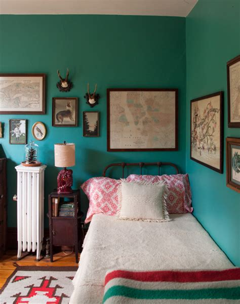 Beyond The Bed 12 Tips For A Great Guest Room Design Sponge Design Sponge Bedrooms