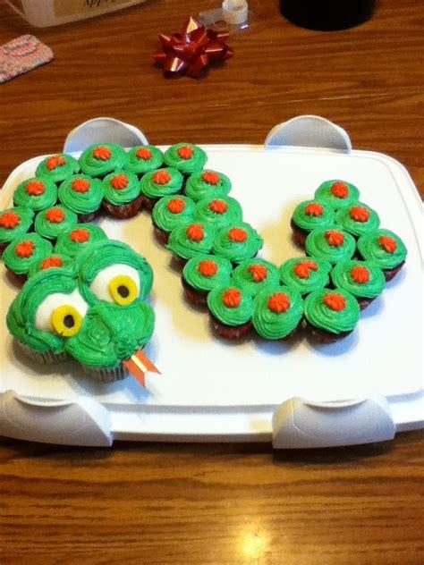 lizard cake template snake cupcakes cupcakes snakes cupcake