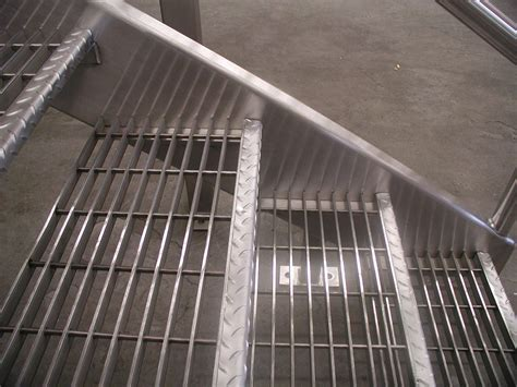 stainless steel stairs  ss bar grating  diamond