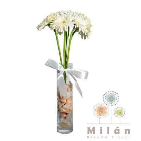 arreglos florales en floreros de vidrio lisboa hermoso arreglo en florero de vidrio con 6