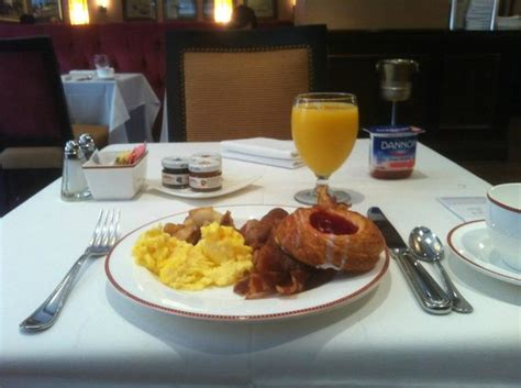 breakfast buffet at the capitol room picture of the