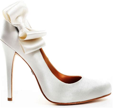 Elegant Bridal Style: Cute White Wedding Shoes