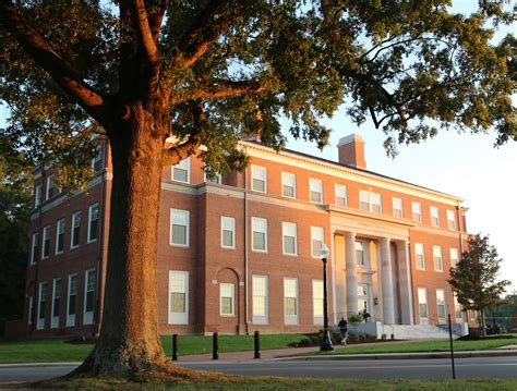 Wfu Mba Tuition by Inside Wfu News For Faculty And Staff Farrell