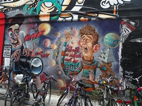berlin city tour 2011 travel part 1 amazing graffiti picture of alternative