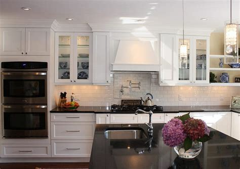 Designs For Kitchen Cupboards by Shaker Kitchen Cabinets Shaker Style Kitchen Cabinets