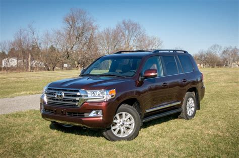 what car toyota land cruiser 2017 toyota land cruiser overview cars