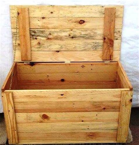 Handmade Pallet Furniture - diy custom wood pallet furniture ideas