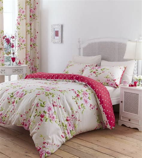 floral bed linen in single double kingsize flowery