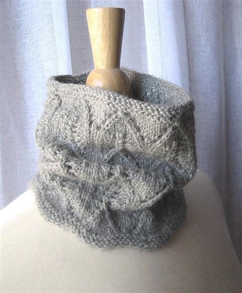 knit lace cowl pattern lacy cowl free on ravelry knitting