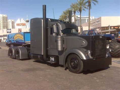 semi truck pictures custom semi trucks custom semi trucks freightliner
