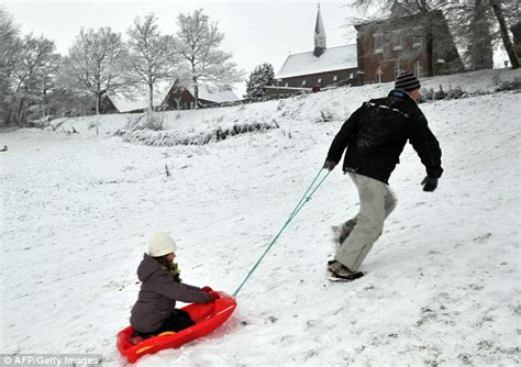 heathrow airport weather warning snow to cause more