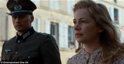 matthias schoenaerts la suite francaise michelle williams kisses matthias schoenaerts in suite