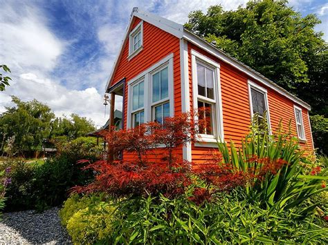 tiny house rental 10 amazing tiny vacation rentals homeaway