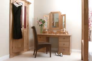Corner Vanity Table Bedroom Best Ideas About Corner Makeup Vanity Diy With Table